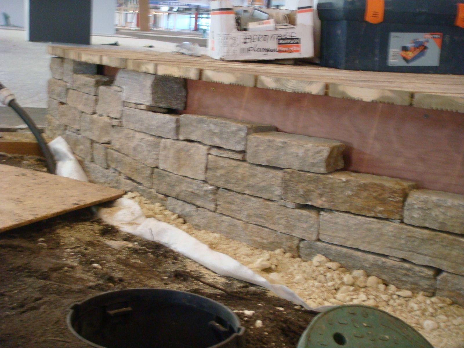 paysagiste pour r alisation de murs en pierres arsac am nagement de jardin par un paysagiste. Black Bedroom Furniture Sets. Home Design Ideas