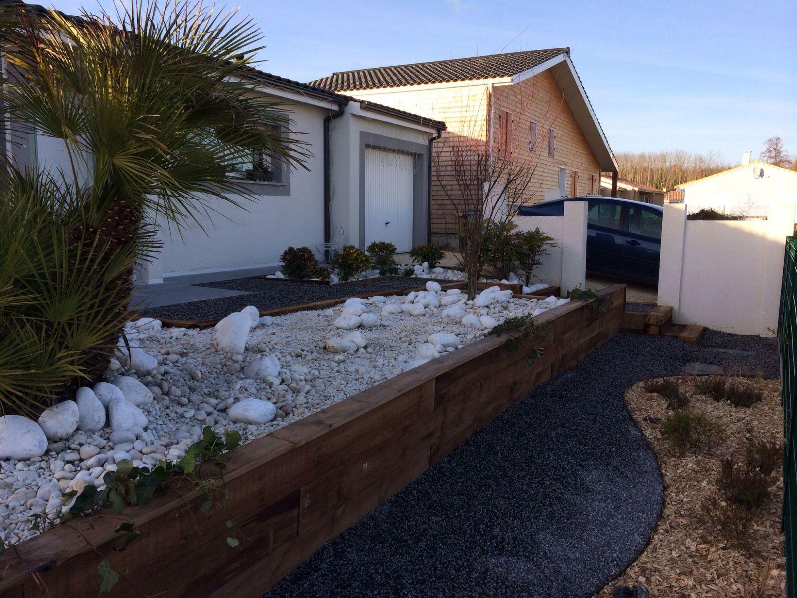 Paysagiste pour r alisation de mur en traverses en ch ne for Realisation paysagiste jardin
