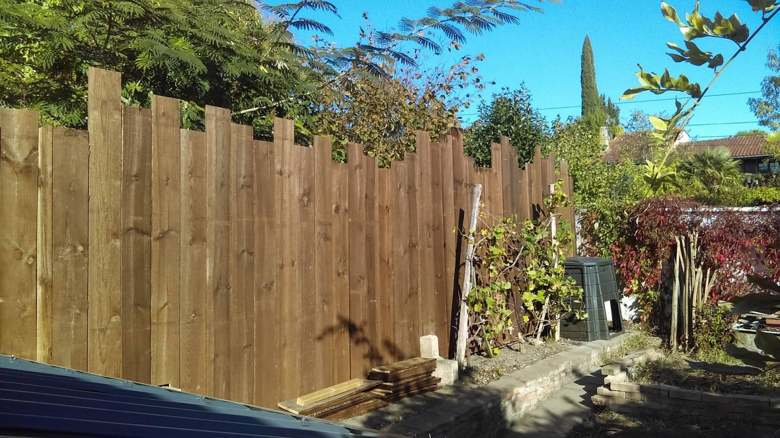 paysagiste pour pose de cl ture en bois saint aubin de m doc am nagement de jardin par un. Black Bedroom Furniture Sets. Home Design Ideas