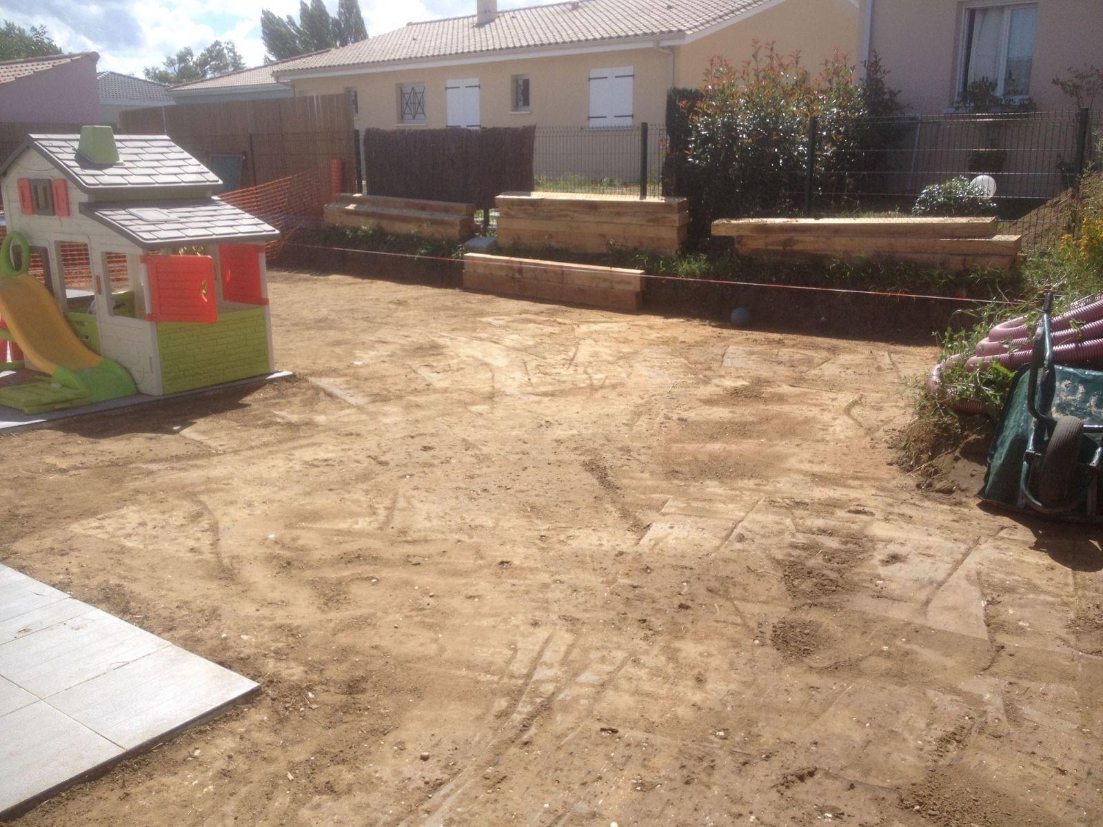 Paysagiste pour am nagement des abords d une piscine hors for Piscine hors sol et declaration de travaux
